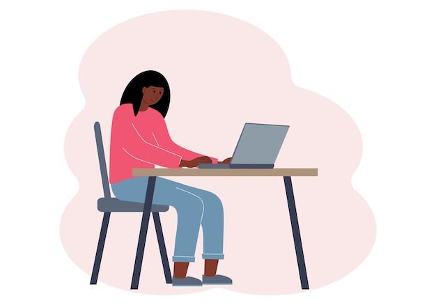 Ilustracja przedstawiająca kobietę w miejscu pracy z laptopem. koncepcja pracy lub edukacji online