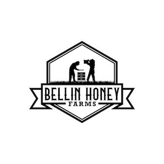 Ilustracja sylwetka pszczelarstwa z ludźmi zbierającymi miód. szablon logo projektu vintage