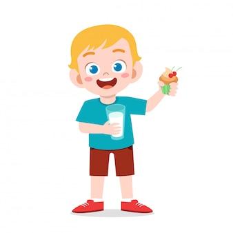 Ilustracja szczęśliwego ślicznego chłopiec napoju świeży mleko