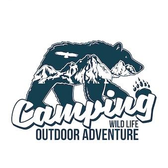 Ilustracja w stylu vintage logo wydruku z dzikim zwierzęciem niedźwiedzia grizzly z wielkimi górami wewnątrz sylwetki. przygoda, podróż, camping, na wolnym powietrzu, przyroda, dzicz, eksploracja.