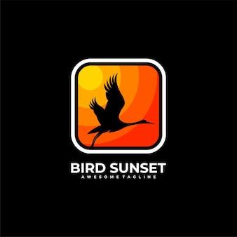 Ilustracja wektorowa projekt logo zachód słońca ptak