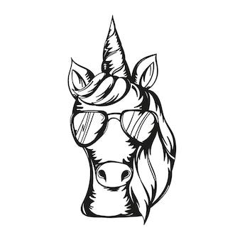 Ilustracja wektorowa ślicznej twarzy jednorożca w okularach przeciwsłonecznych - projekt do druku, karty, koszulki