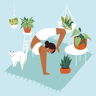 Ilustracja z młodą kobietą praktykującą jogę w przytulnym domu z rośliną, kwiatami i kotem.