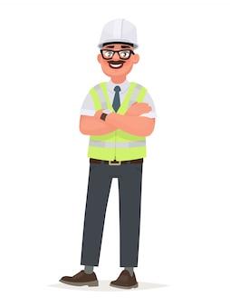 Inżynier w twardym kapeluszu i kamizelce ochronnej