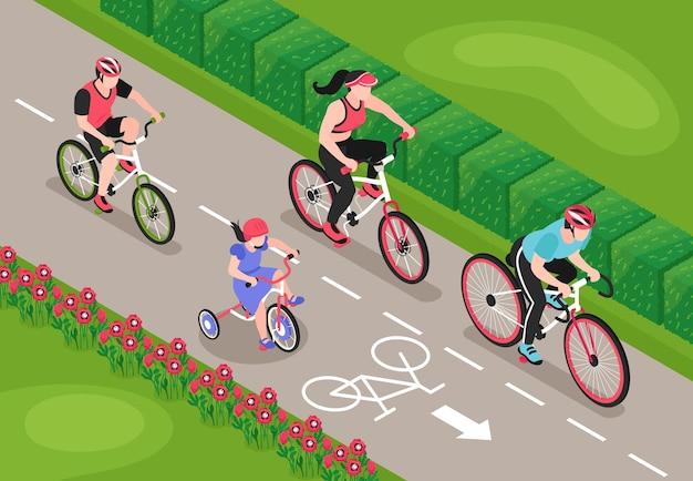 Izometryczna kompozycja rowerowa z widokiem na ścieżkę rowerową na zewnątrz z postaciami członków rodziny na przejażdżce