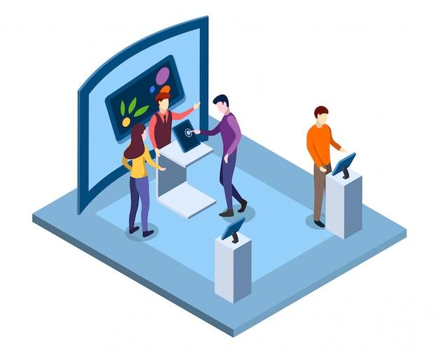 Izometryczne ilustracja targi elektroniki. sprzedawca, promotor urządzeń reklamowych, odwiedzający testujący postacie gadżetów. muzeum techniki, nowoczesna wystawa handlowa 3d wnętrze