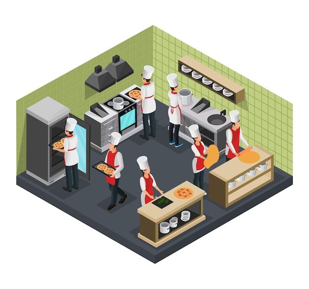 Izometryczny szablon kuchni włoskiej restauracji z profesjonalnymi kucharzami przygotowującymi pizzę na białym tle