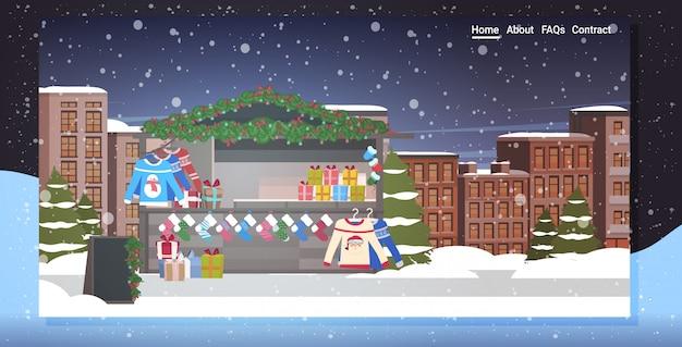 Jarmark bożonarodzeniowy lub wakacyjne targi plenerowe