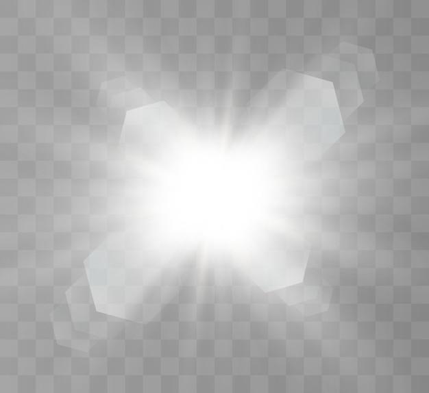 Jasna gwiazda. piękne promienie na przezroczystym tle