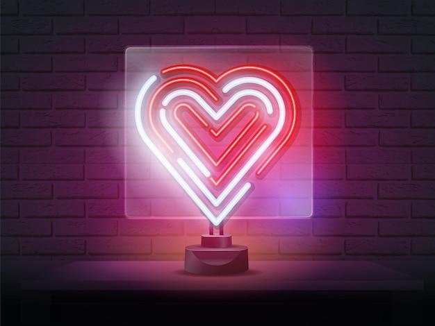Jasne serce. neonowy znak. znak retro neonowe serce