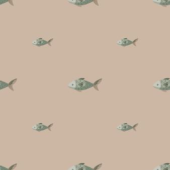 Jednolity wzór ryb na pastelowym brązowym tle. nowoczesna ozdoba ze zwierzętami morskimi.