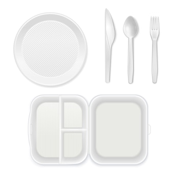Jednorazowe białe plastikowe płytki sztućce nóż widelec łyżka lunchbox widok z góry realistyczne zastawy stołowe zestaw na białym tle