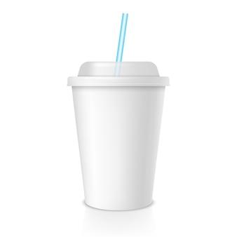 Jednorazowy kubek do kawy lub soku. biały pusty kubek na wynos