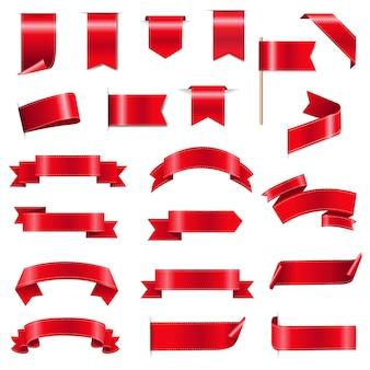Jedwabne czerwone wstążki i tagi na białym tle z gradientową siatką,