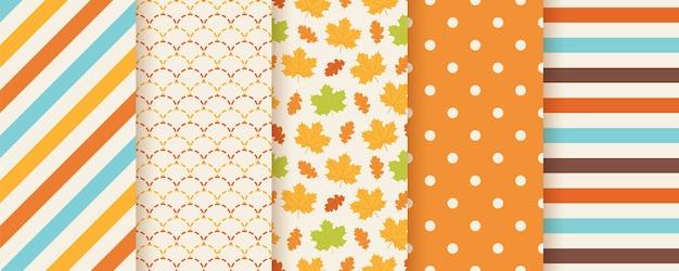 Jesienny wzór. . bezszwowy nadruk z jesiennymi liśćmi, kropkami, paskami i rybią łuską. sezonowe tekstury geometryczne. ilustracja kolorowy kreskówka. śliczne abstrakcyjne tła. pomarańczowa tapeta.