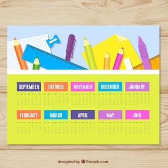 Kalendarz ze składem materiałów szkolnych