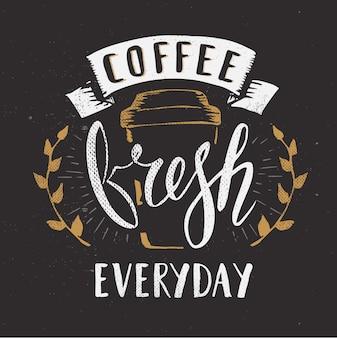 Kaligrafia za pomocą pędzla. świeża kawa codziennie znak.