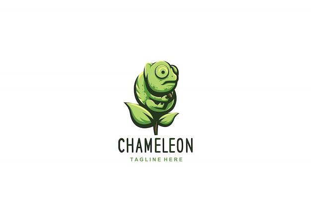 Kameleon z zielonym liściem logo