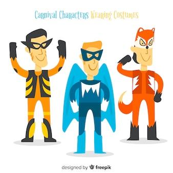 Karnawałowe postacie w kostiumach