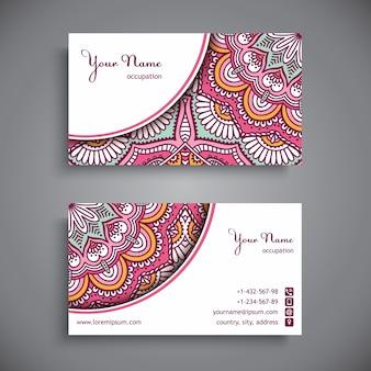 Karta firmowa ozdobione różowymi mandale