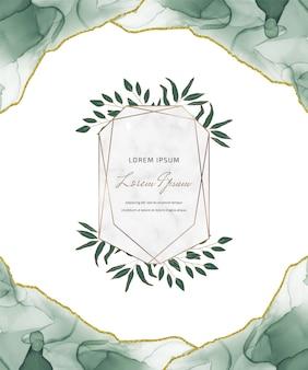 Karta z brokatem z zielonym tuszem alkoholowym z geometrycznymi marmurowymi ramkami i liśćmi. streszczenie ręcznie malowane tła.