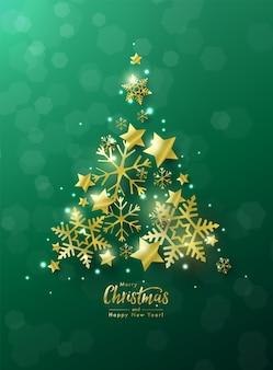 Kartkę z życzeniami bożego narodzenia i nowego roku ozdobioną choinką z złotych gwiazd i płatków śniegu na zielonym tle bokeh.