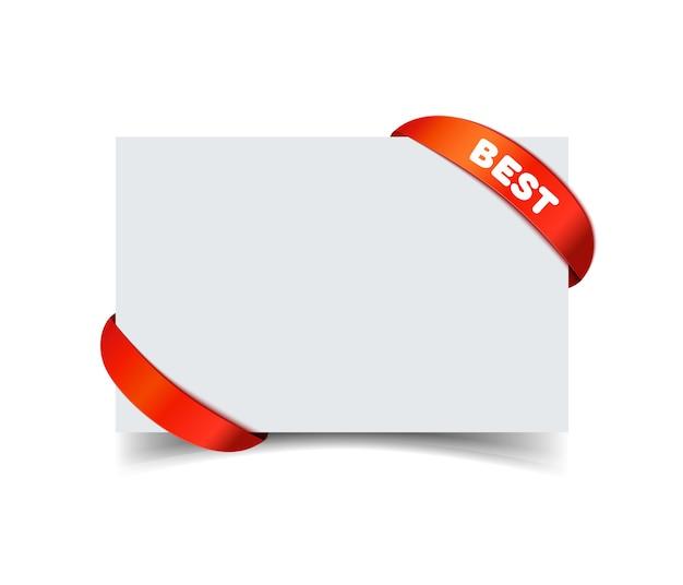 Kartkę z życzeniami papieru z zakrzywioną czerwoną wstążką prezent na rogach na białym tle