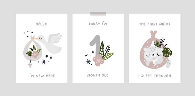 Karty kamieni milowych dla noworodka z uroczymi zwierzętami