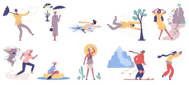 Kataklizmy naturalne, powódź, opady śniegu, sztormowy wiatr. ludzie uderzają w ekstremalne katastrofy kataklizmu, powodzi, huraganu, opadów śniegu i burzy deszczowej zestaw ilustracji wektorowych