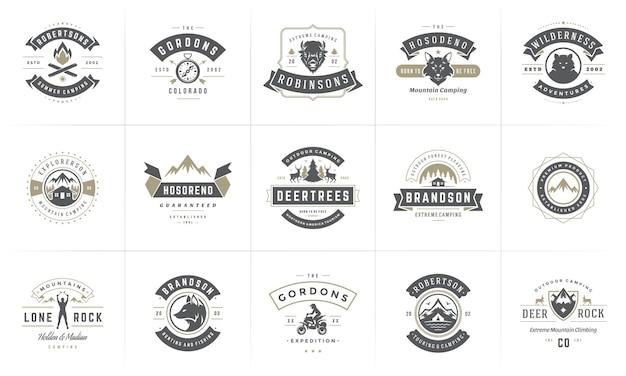 Kemping logo i odznaki szablony elementów i sylwetki zestaw.