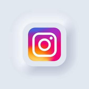 Kijów, ukraina - 19 marca 2021: zestaw ikon instagram. ikony mediów społecznościowych. realistyczny zestaw. neumorficzny biały interfejs użytkownika ux. styl neumorfizmu.