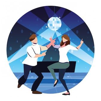 Kilka osób tańczących w klubie nocnym, imprezie, klubie tanecznym, muzyce i życiu nocnym