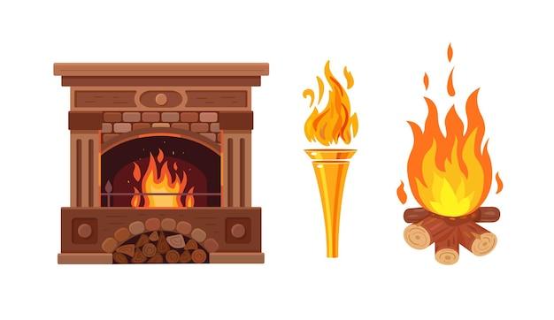 Klasyczny drewniany kominek z jasnym płonącym ogniem i ogniem na drewno i płonącą pochodnią