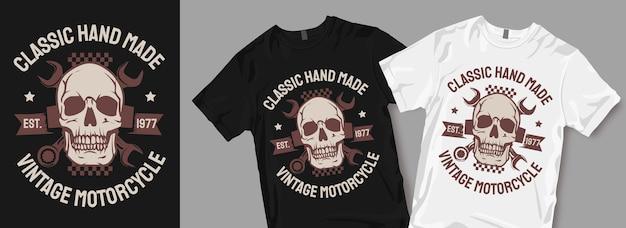 Klasyczny, ręcznie robiony t-shirt z symbolem motocykla w stylu vintage