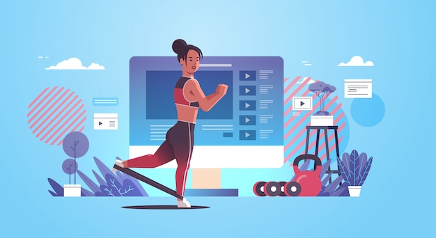 Kobieta blogger robić ćwiczenia z opór sportsmenka zespół vlogger wideo lifestyle pojęcie dla blog _ kopiasty lifestyle nowożytny gym horyzontalny