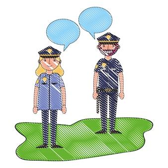 Kobieta i mężczyzna policjant mówi