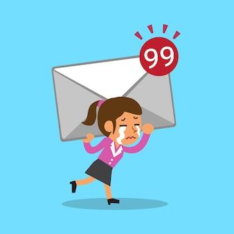 Kobieta interesu kreskówka niosąc dużą ikonę poczty