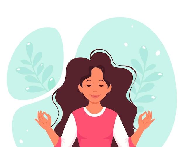 Kobieta medytuje. zdrowy tryb życia