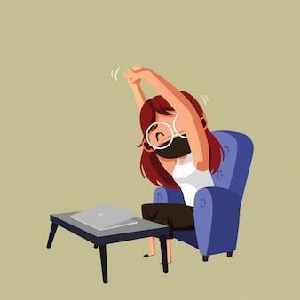 Kobieta nosić maskę i robić strech po pracy w domu