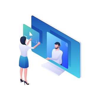 Kobieta ogląda ilustracja izometryczna usługi strumienia wideo. żeńska postać odtwarza wideo online na monitorze z męskim spikerem. nowoczesna koncepcja programów multimedialnych i klipów do blogowania.