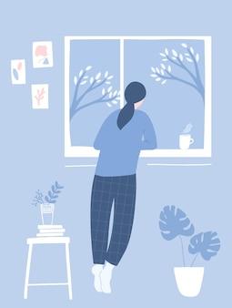 Kobieta patrząc przez okno. przytulne wnętrze pokoju z abstrakcyjną sztuką ścienną, kwiatami na stołku i rośliną monstera w doniczce. ilustracja wektorowa płaski niebieski.