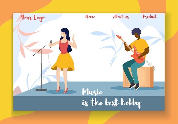 Kobieta piosenkarka wykonuje na scenie z gitarzystą