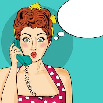 Kobieta pop-artu, rozmawiając na telefon w stylu retro