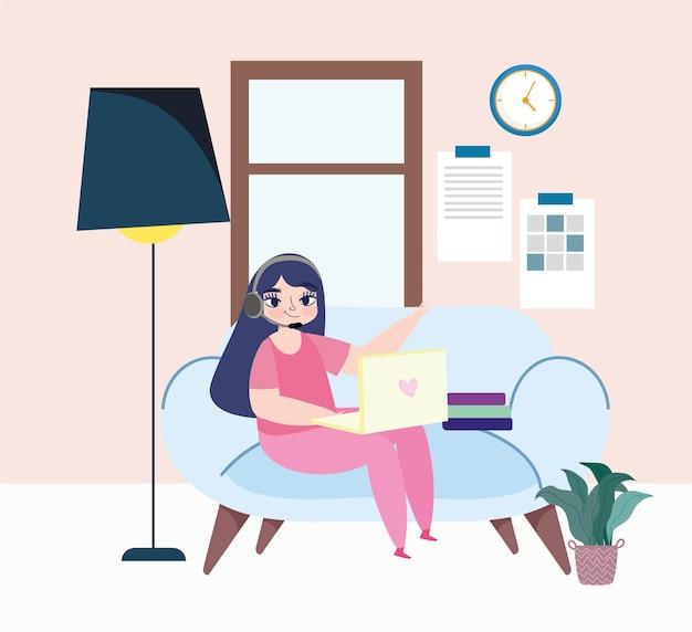 Kobieta pracujący laptop