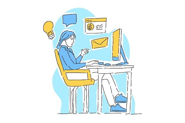 Kobieta pracuje na biurku
