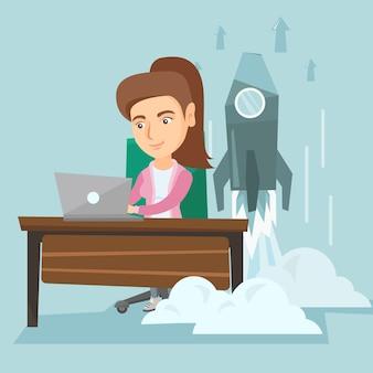 Kobieta pracuje na laptopie na biznesie zaczyna.