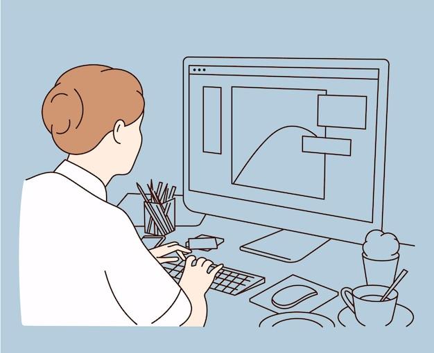 Kobieta projektantka graficzna, ilustratorka lub pracownica niezależna siedząca przy biurku i pracująca na komputerze w domu