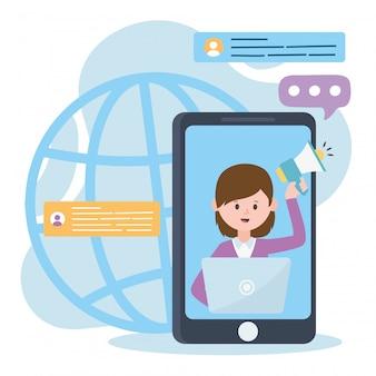 Kobieta smartfona w wideo z głośnikiem i laptopem działa marketingowo w sieci społecznościowej i technologii