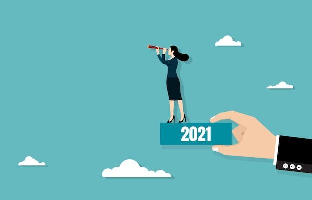 Kobieta trzymając teleskop stojąc na pudełku w ręku. koncepcja biznesowa, ilustracja płaska