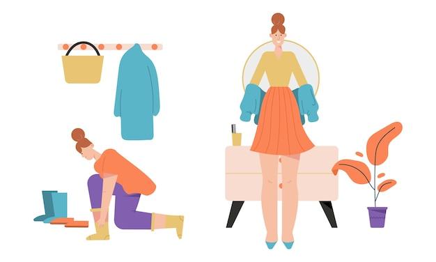 Kobieta ubiera się lub rozbiera i stoi w scenach na korytarzu.